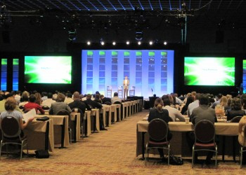 Business Speaker Guide: How to Present to Corporate Audiences